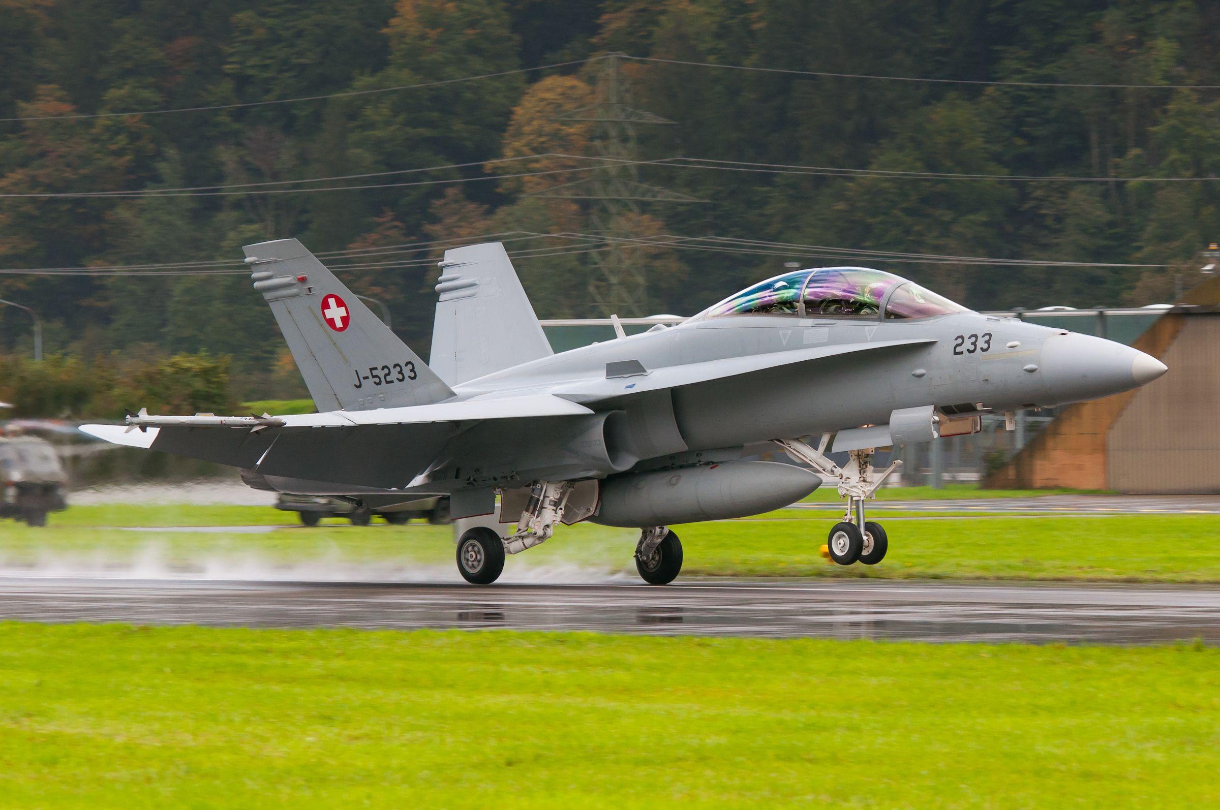Air force live fire event Axalp 2012 - 10-11 Oct 2012 - Pagina 2 000146m