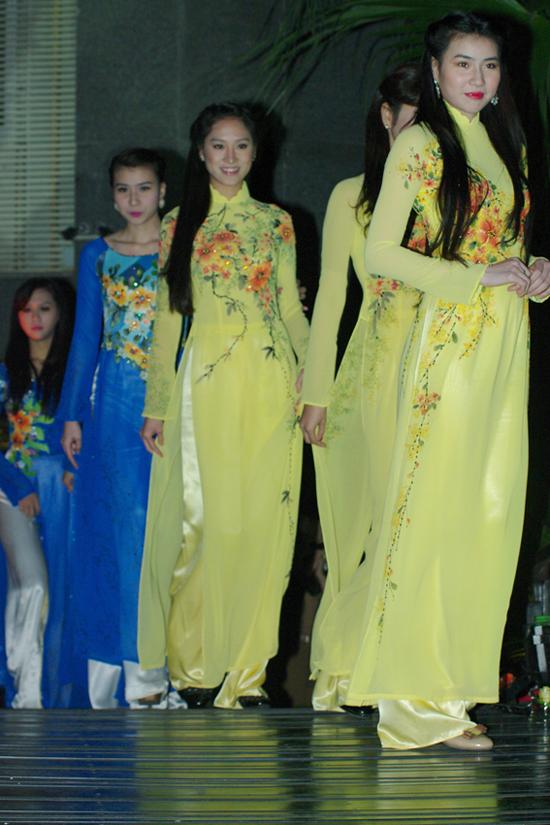2 bộ sưu tập áo dài Aodai10x