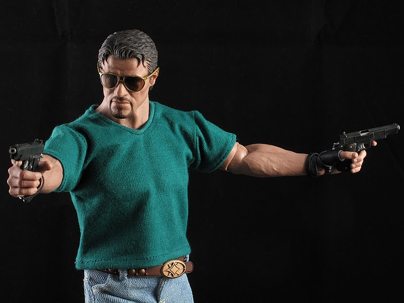 "HOTTOYS (figurine 12"" THE EXPENDABLES) - Page 5 Ross021"