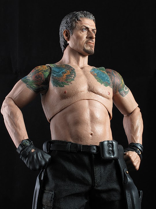 "HOTTOYS (figurine 12"" THE EXPENDABLES) - Page 5 Ross013"