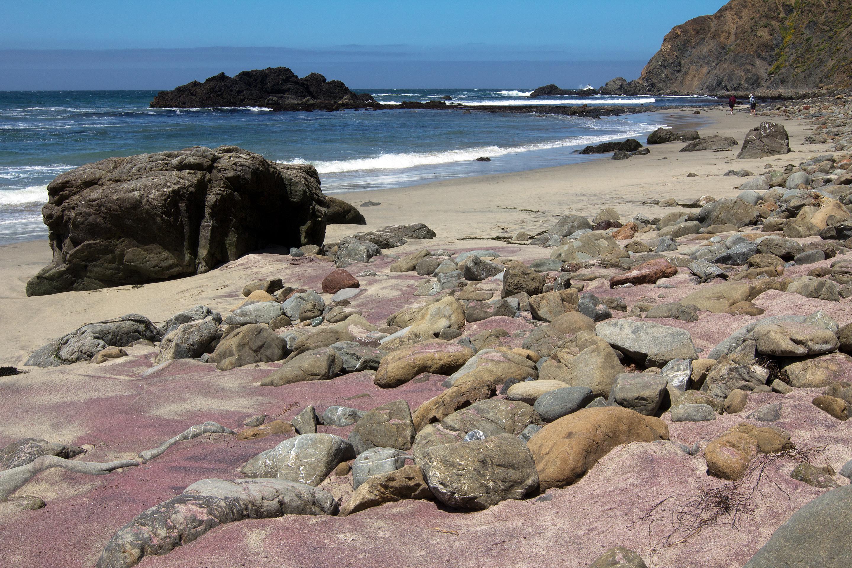 PFEIFFER BEACH , LA PLAYA COLOR PÚRPURA EN CALIFORNIA 2Xotlv