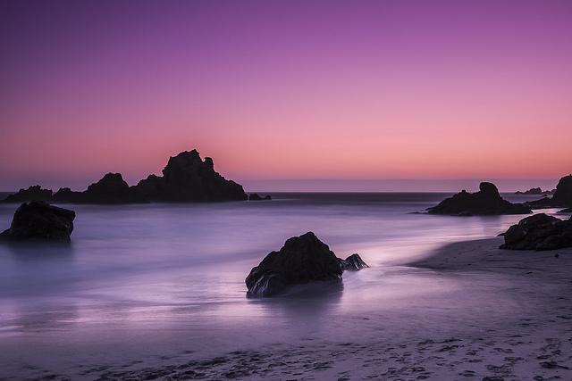 PFEIFFER BEACH , LA PLAYA COLOR PÚRPURA EN CALIFORNIA A7akz7