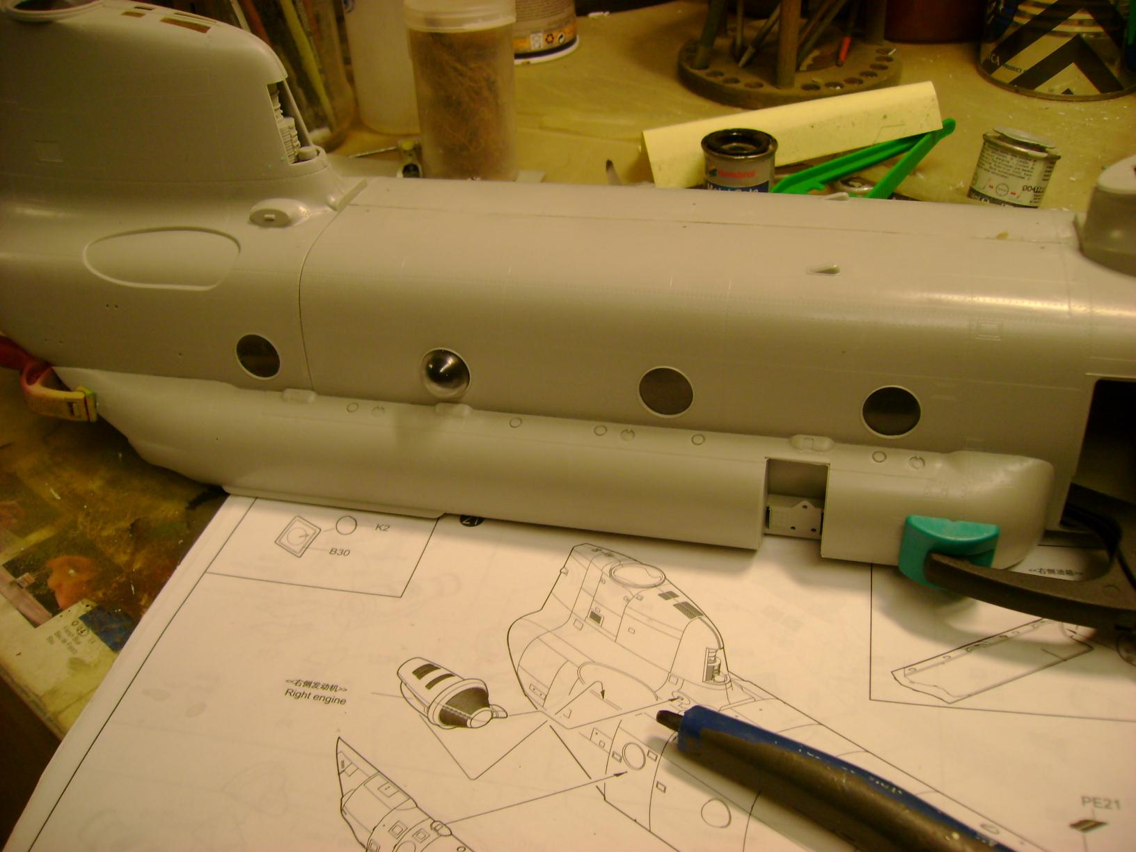 """CH-47D """" Chinook""""....Début de montage...1/35 Trumpeter.Up du 05/05... 36780737"""