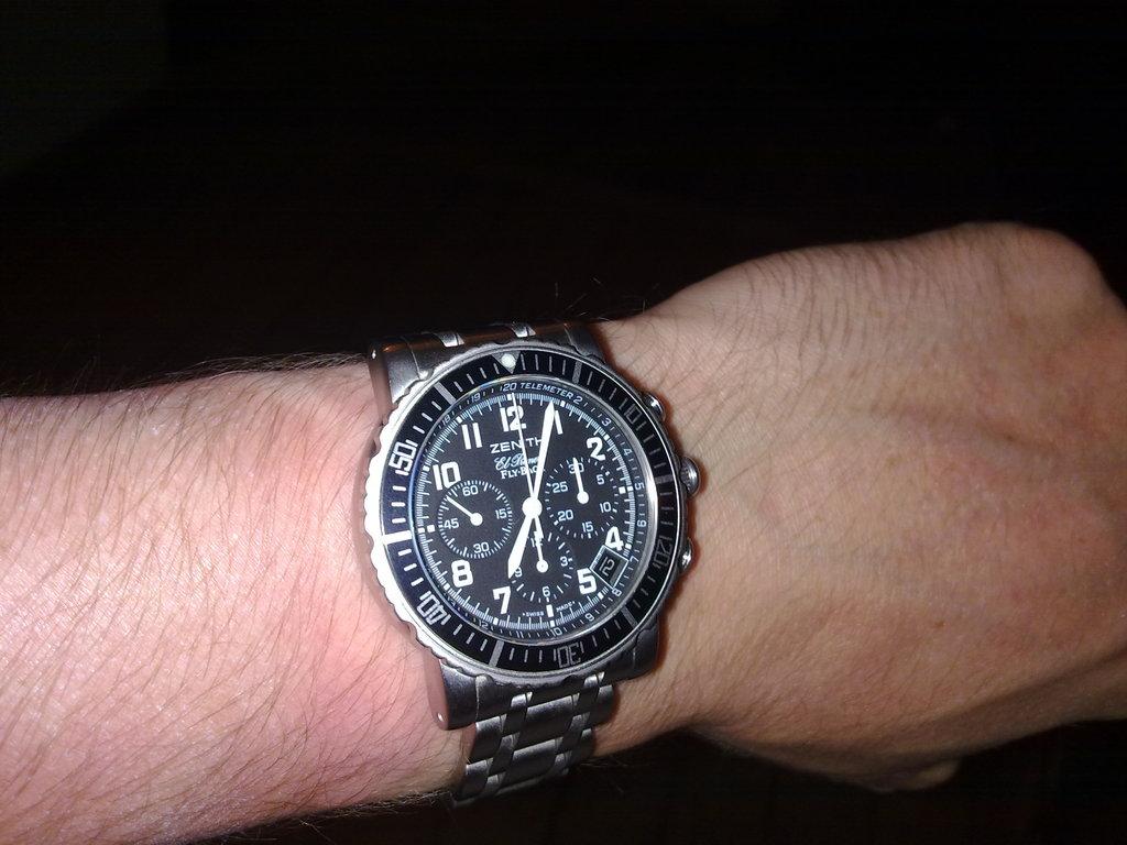 De retour de Guadeloupe, j'ai vu plein de belles choses, même des montres... 12112010789