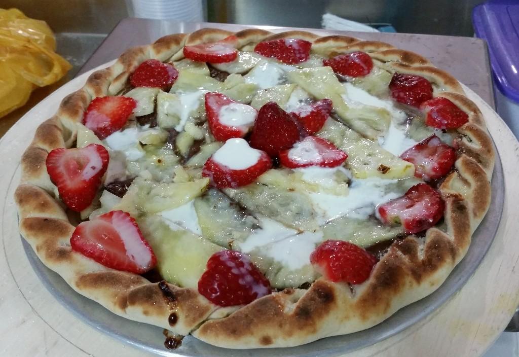 Maravilhas de pizzas e variedades feitas nos cursos do mês de  junho na escola do Fórum de Pizzas com o Cheff Hassin. VcZP69