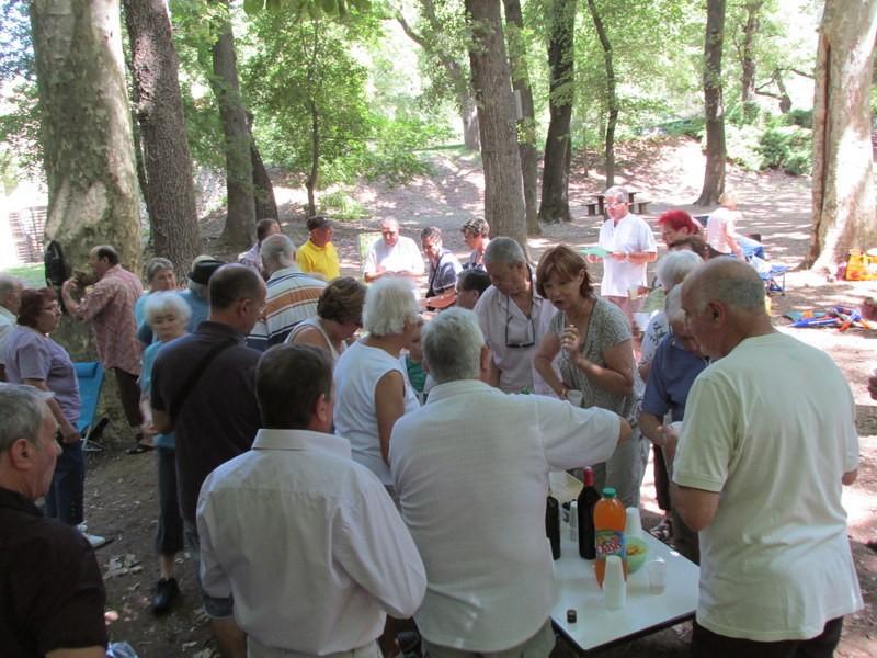 Journée familiale à Valabre - Samedi 21 juin 2014 Vz2il