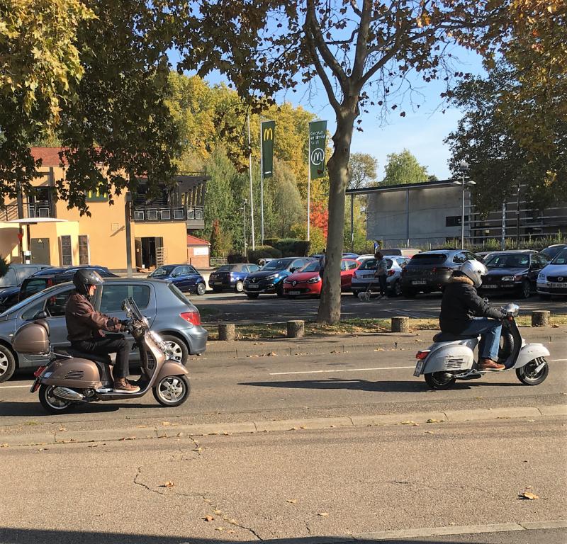 Ici le CR et les Photos du Rétro-Rencard à Strasbourg-Meinau du 8.10.2018 A5wQSA