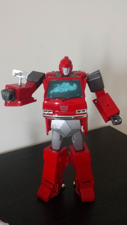MP27 Cybertron Security Ironhide HEq2RS
