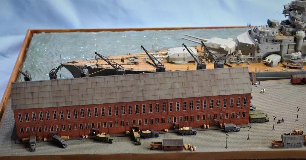 Grande grue 250 t port de Hambourg et Bismarck Revell au 1/350 - Page 11 LJ0vWi