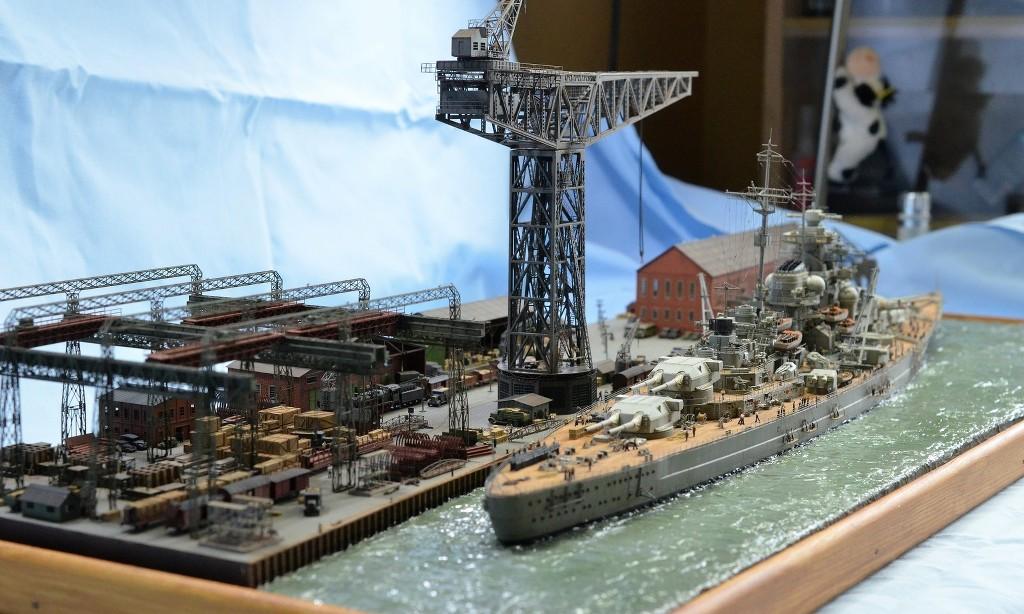 Grande grue 250 t port de Hambourg et Bismarck Revell au 1/350 - Page 11 1gQT5u