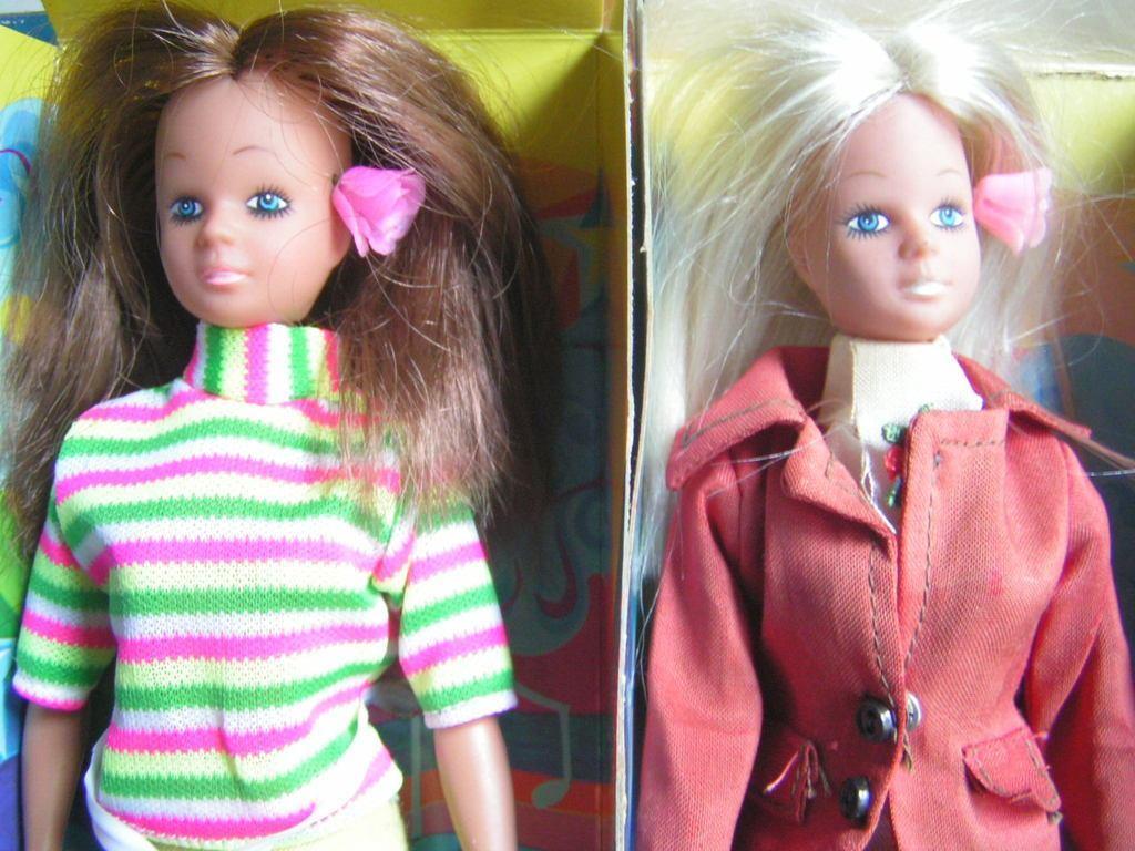 La poupée SHEILA Delavennat 1979 KgphRj