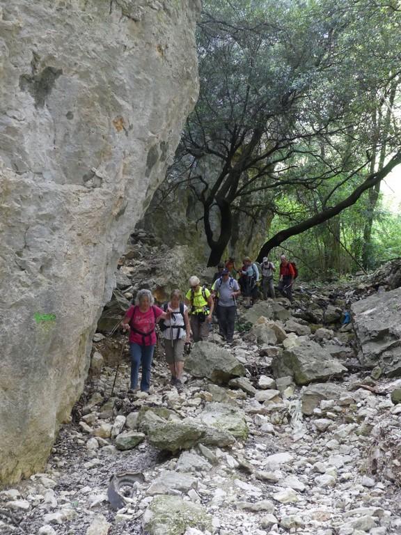 St Saturnin-lès-Apt-Baume Roustan-Jeudi 10 mai 2018 4mh0q7