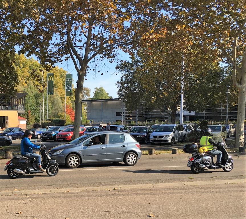 Ici le CR et les Photos du Rétro-Rencard à Strasbourg-Meinau du 8.10.2018 C3Y8d0
