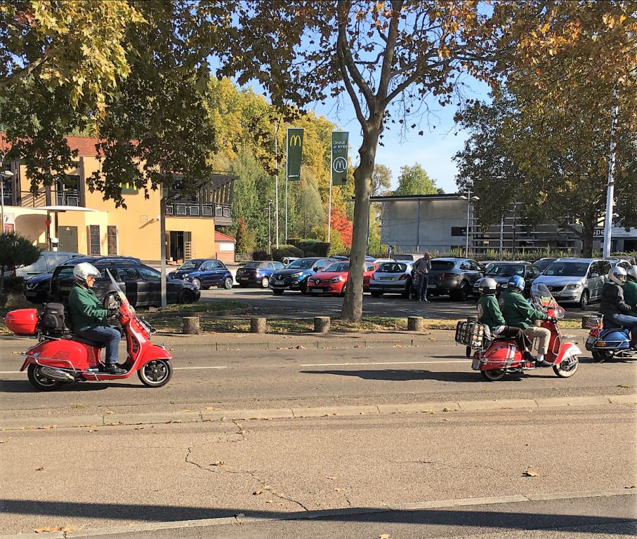 Ici le CR et les Photos du Rétro-Rencard à Strasbourg-Meinau du 8.10.2018 YwMcDk