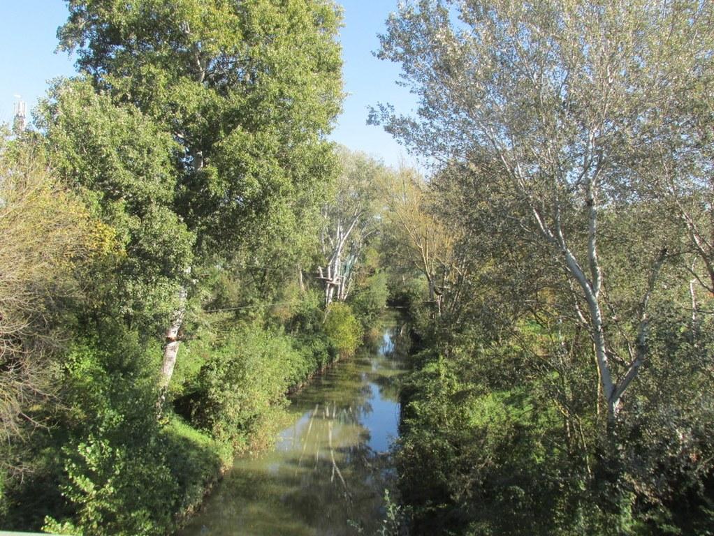 Aix en Provence - Jeudi 25 octobre 2018 Fxfy1A