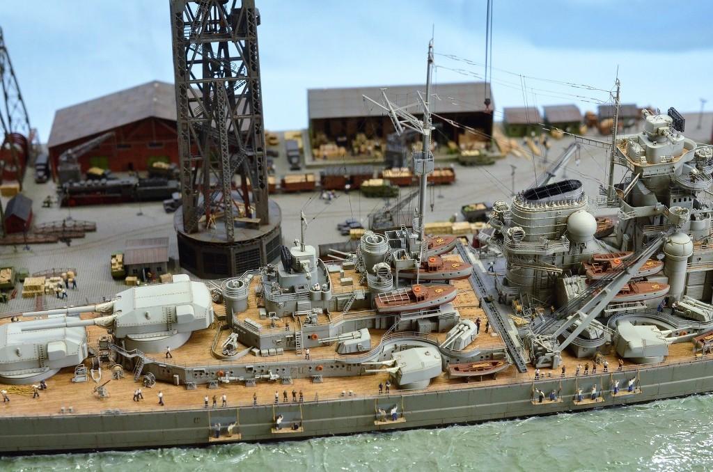 Grande grue 250 t port de Hambourg et Bismarck Revell au 1/350 - Page 11 GCGeHe