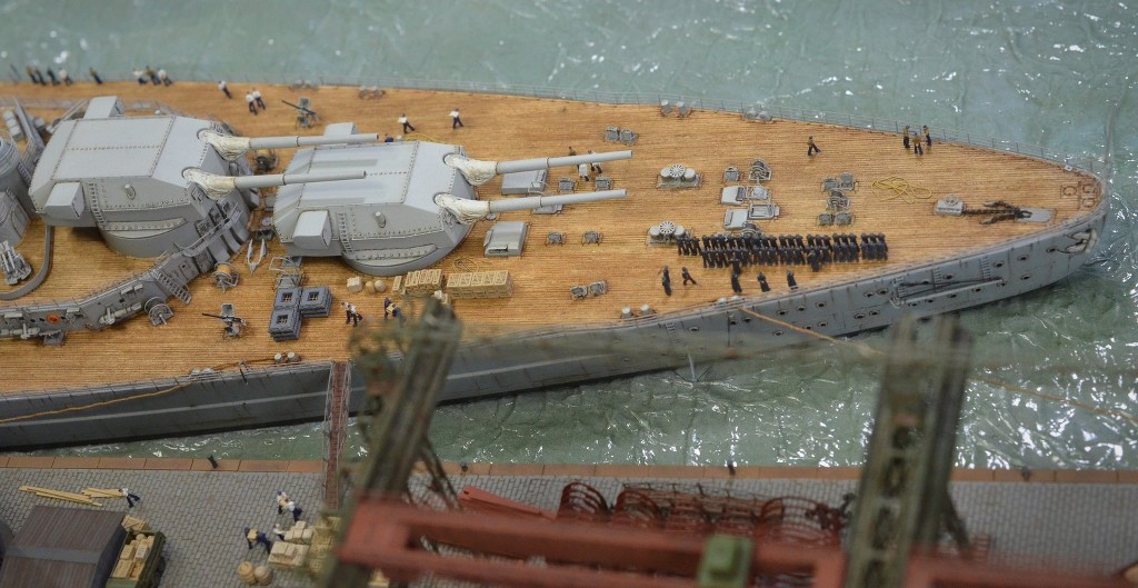 Grande grue 250 t port de Hambourg et Bismarck Revell au 1/350 - Page 11 U5e7Fr