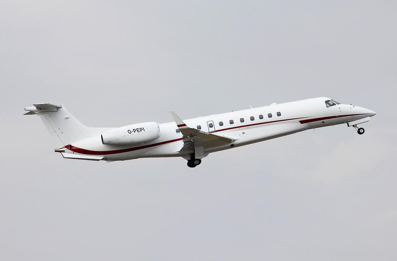 Embraer EMB-135 Legacy London Executive Aviation G-PEPI & Divers le 07.09.14 K3Hhml