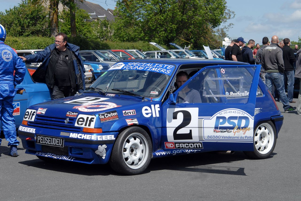 Les 30 ans de la Super 5 GT Turbo à La Châtre T9d46u