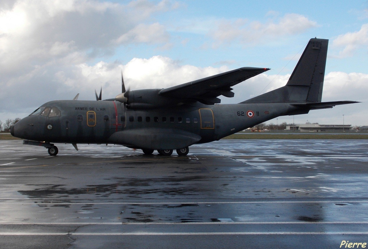 Casa CN-235 Armée de l'Air 62-II + Divers le 25.02.14 7l1m