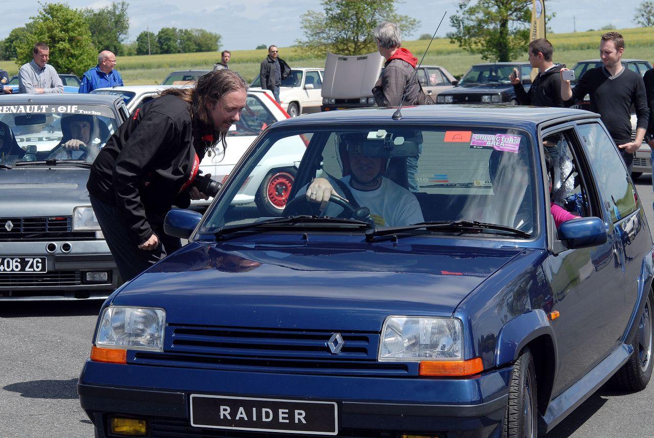 Les 30 ans de la Super 5 GT Turbo à La Châtre KHueI4