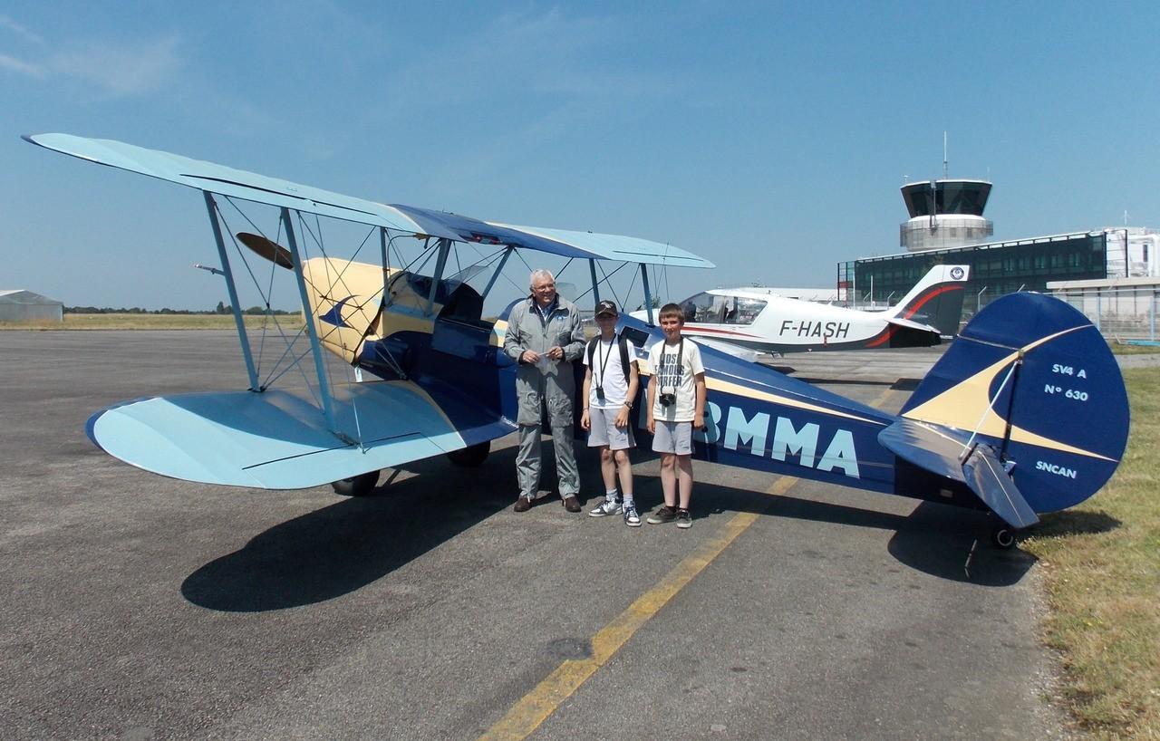 Stampe, Dash 8, Écureuil & Alpha Jet le 25/07/14 7OBkQ5