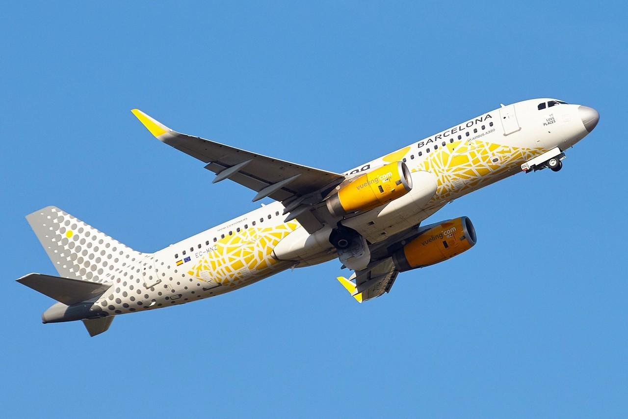 "[02/09/2018] Airbus A330 [EC-MNZ] Vueling ""love Barcelona"" E2sGZ2"
