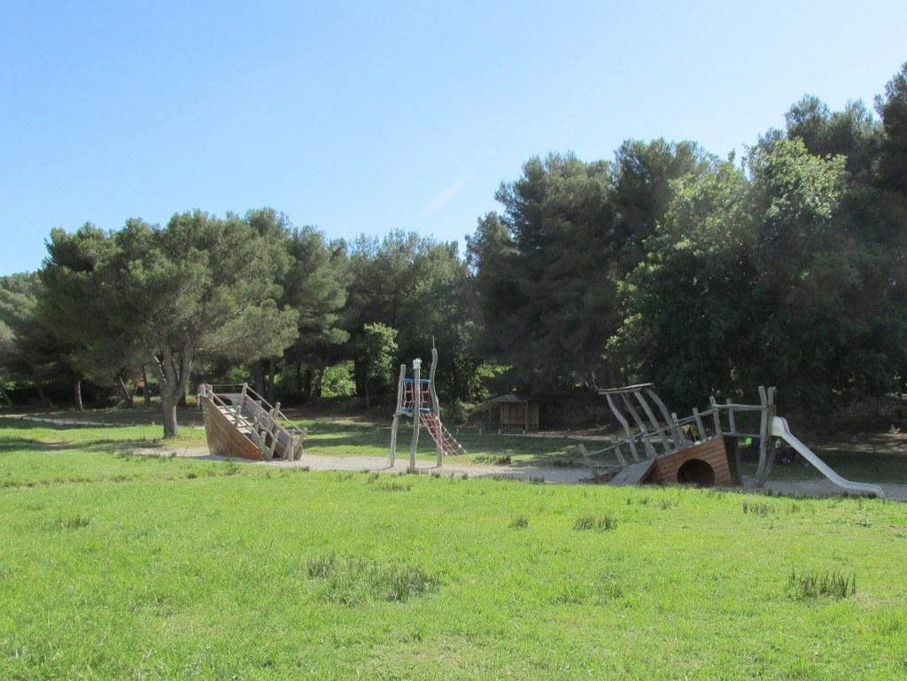 "Martigues "" Parc de Figuerolles "" Jeudi 12 mai 2016 UO5c0p"