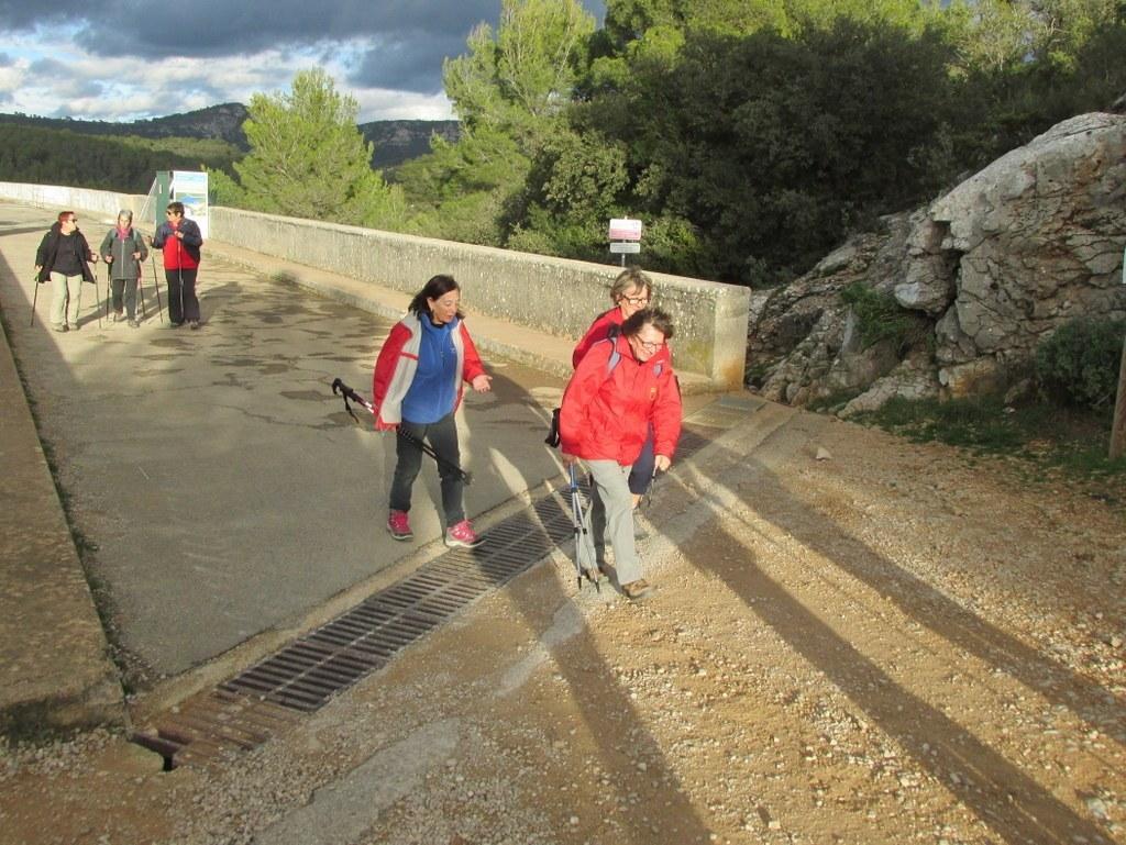 Roques Hautes - Barrage de Bimont -jeudi 10 novembre 2016 Whv65A