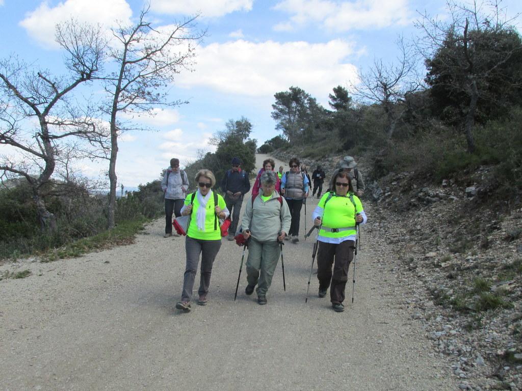 Randonnées des 3 clubs à Pichauris - Circuit bleu - Samedi 9 avril 2016 XVRKEx