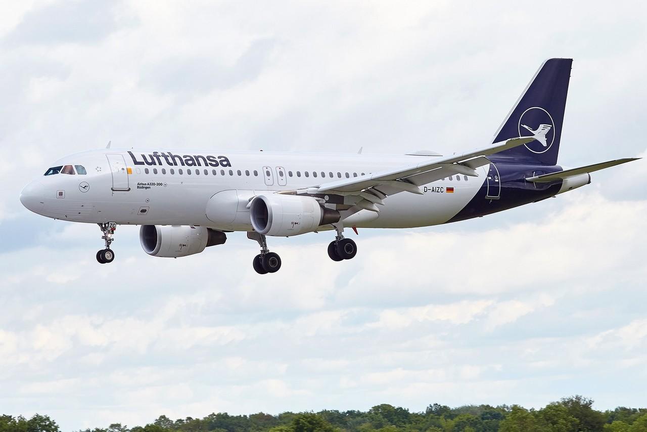 """[14/05/2018]A320 (D-AIZC) Lufthansa """"nouvelles couleurs"""" AfSATX"""
