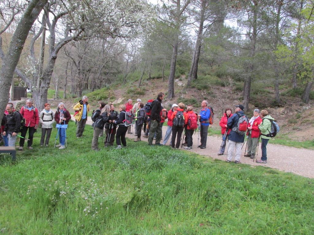 Randonnées des 3 clubs à Pichauris - Circuit bleu - Samedi 9 avril 2016 R2wFB2