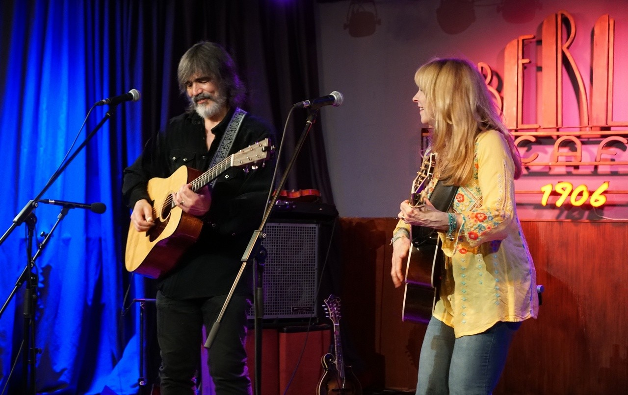 Larry Campbell & Teresa Williams - Madrid 22-05-2019 JgjYiV