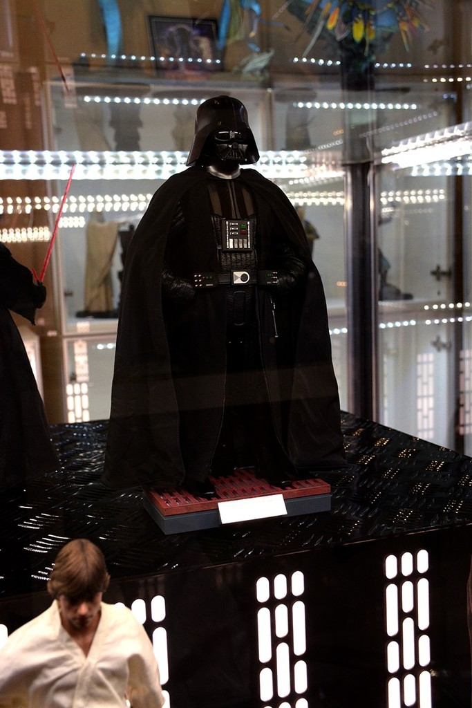 Star Wars Acrylic Display Case  XGAfC9