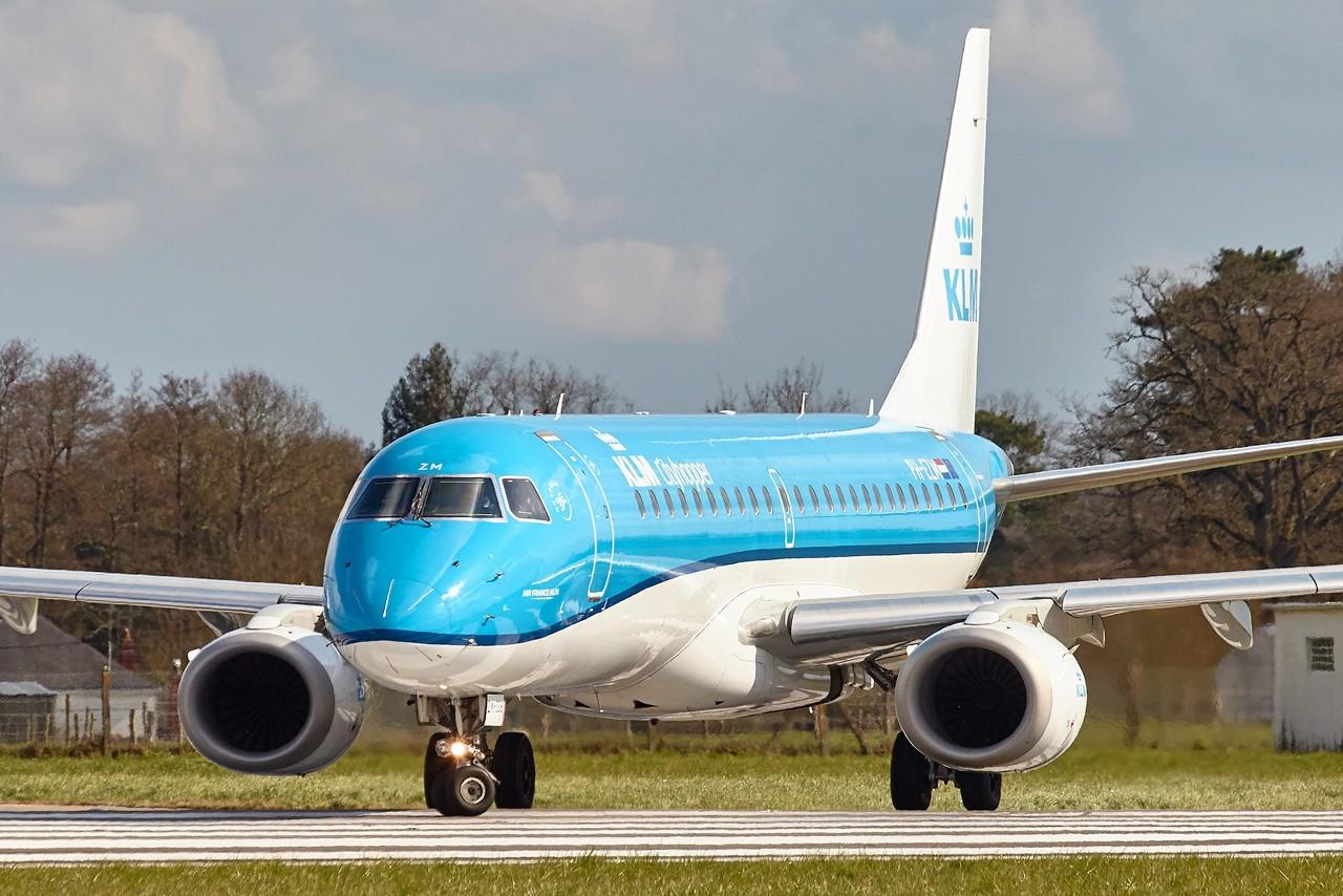 [25/03/2018] ERJ190 (PH-EZM) KLM  B0aYCb