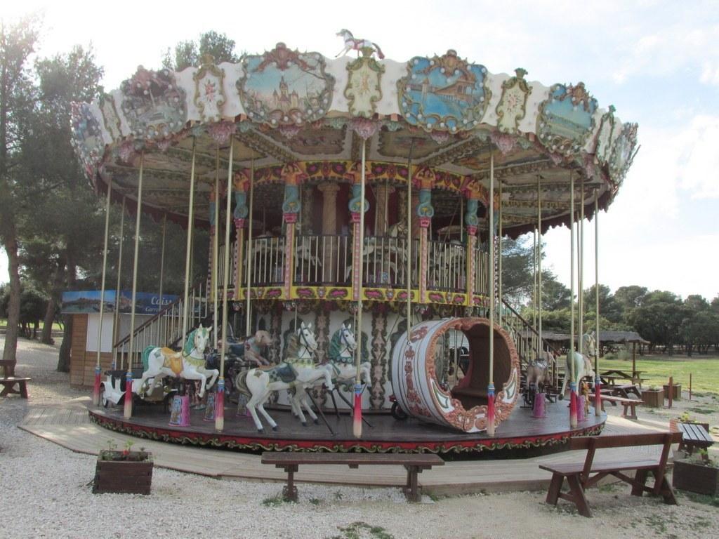 """Martigues """" Parc de Figuerolles """" Jeudi 12 mai 2016 UBKy5X"""