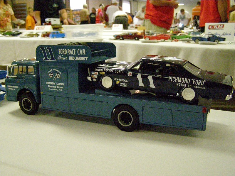 "Ford C-600 ""Tommy Grove Race Car Hauler"" (AMT) [STANDBY] - Page 3 TINvd3"