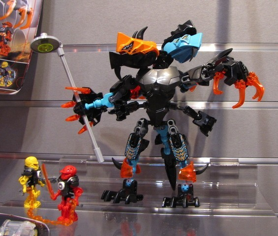 [Produits] Figurines Chima & Hero Factory au ToyFair 2014 6dx9