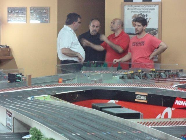 Los Dioses del Slot visitaron Añe....QUE CARRERA ...Uds están locos..!!! Van muy fuerte che..!!! OVeUrY