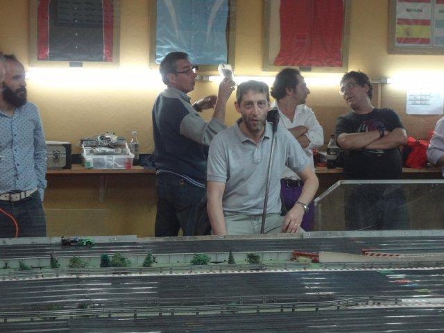 Los Dioses del Slot visitaron Añe....QUE CARRERA ...Uds están locos..!!! Van muy fuerte che..!!! 813xz2