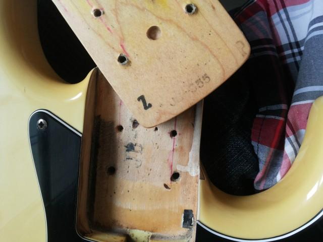 Fender Jazz Bass MIJ 1989 - minha saga por informações O9Y5kC
