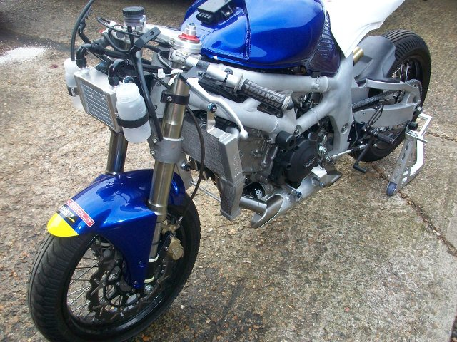 SV 650 Rider Club. Suzuki 650 sv, carbu et injection  - Page 23 J3RzeB