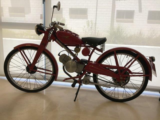 Mi Moto Guzzi Hispania 65 Afeb2M