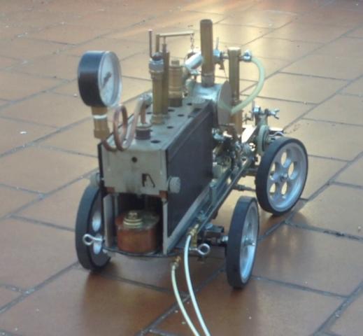 Machine à vapeur construite manuellement. BpJc6S