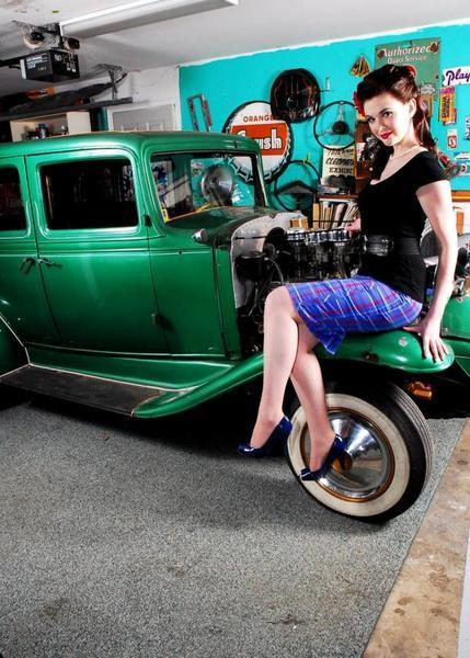 Pin-up en voiture américaine - Page 11 7ghOmD