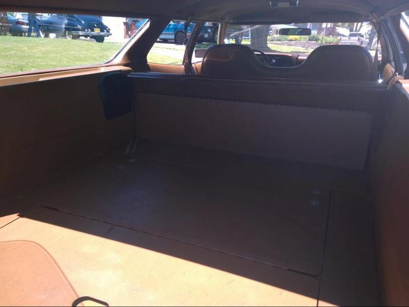 ... (US) 1972 Ford Gran Torino Wagon ... LuGSLF