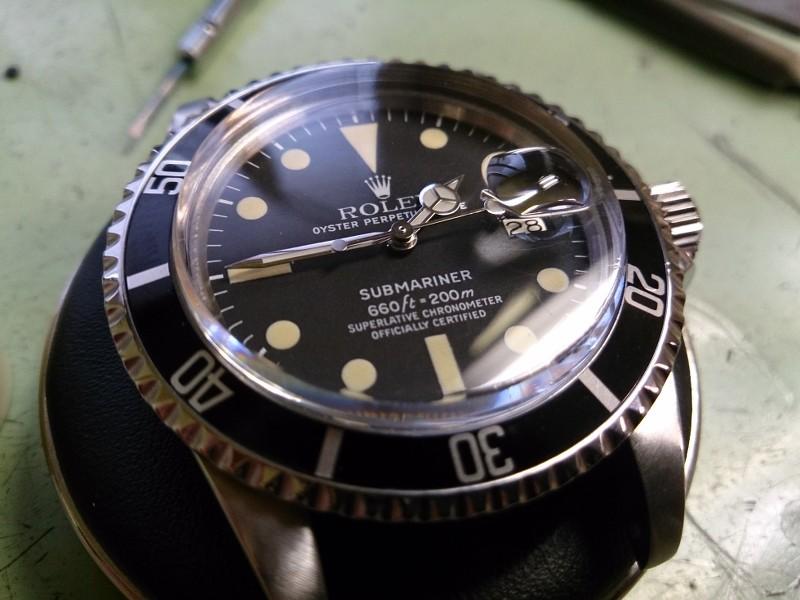 Une quinzaine de montres... RwLYvH