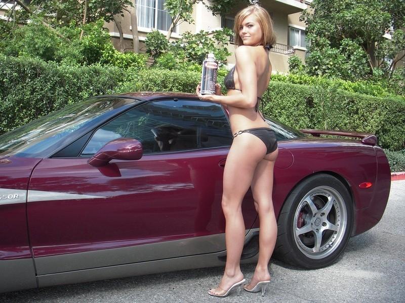 Pin-up en voiture américaine - Page 3 Gccb