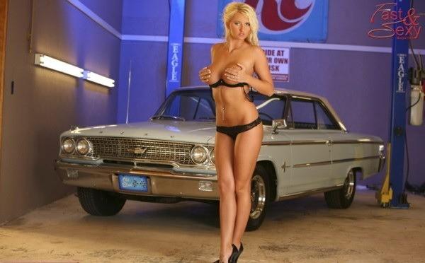 Pin-up en voiture américaine - Page 2 2y6et