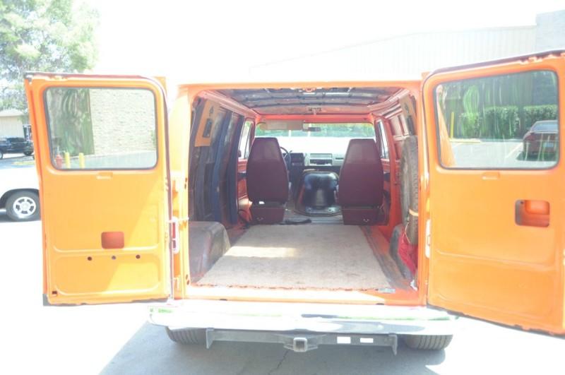 ... (US) 1977 Chevy G20 Van ... 7c08
